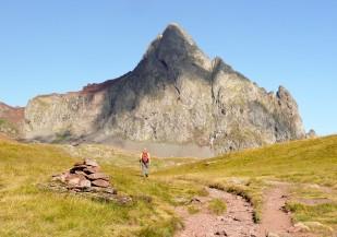 Pic d'Anayet (2.545 m). Vessant SE