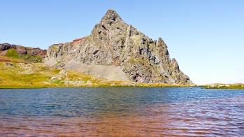 El pic d'Anayet des dun dels estanys